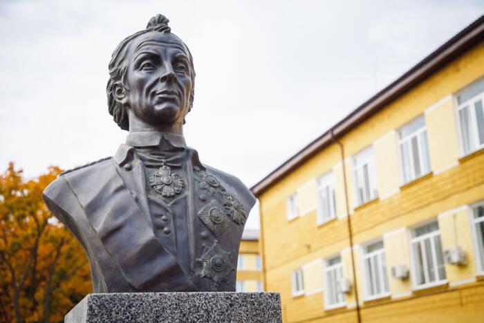 Александр Суворов: «Кто любит свое Отечество, тот подает пример любви к человечеству»