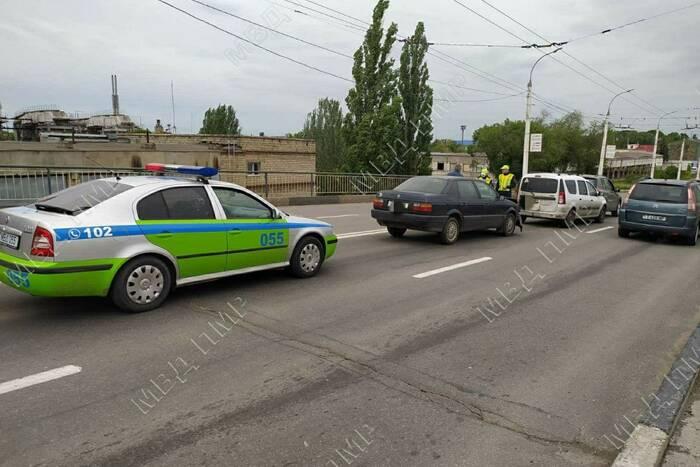 Авария с тремя иномарками случилась вечером в столице