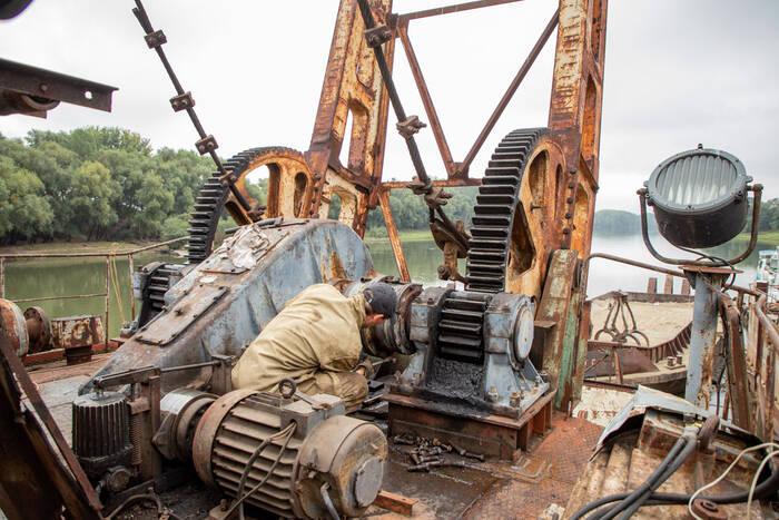 Бендерский речной порт восстанавливает суда