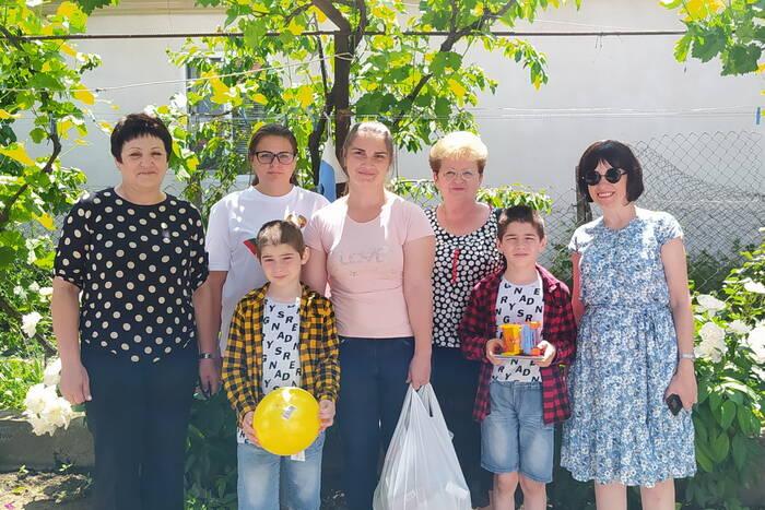 Дубоссарские многодетные семьи получили подарки ко Дню защиты детей