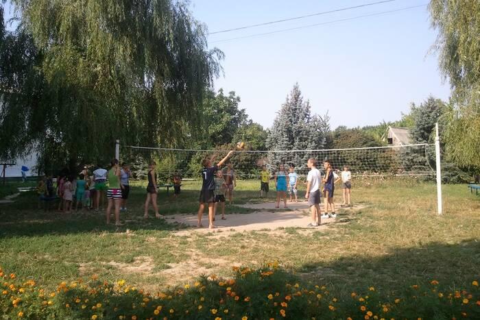 Этим летом в оздоровительных лагерях отдохнут почти 500 воспитанников детдомов и интернатов