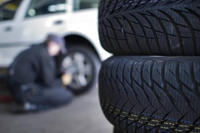 ГАИ призывает водителей сменить летние шины на автомобилях