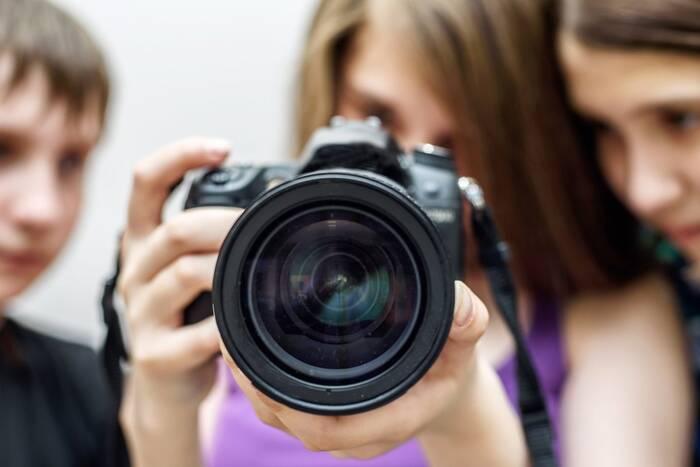 Газета «Приднестровье» продолжает приём работ на фотоконкурс «Молодые лица Приднестровья»