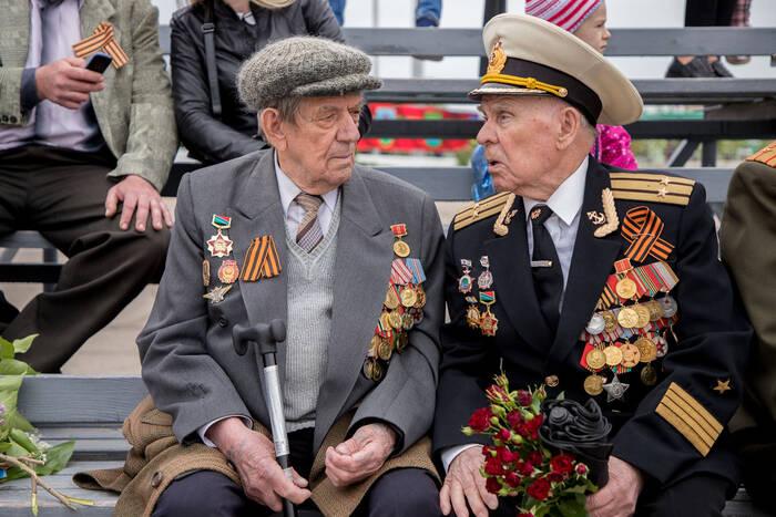 Глава государства призвал учебные заведения чаще приглашать ветеранов на мероприятия