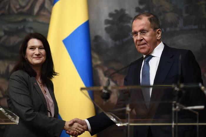 Главы МИД России и Швеции обсудили перспективы возобновления переговоров в формате «5+2»