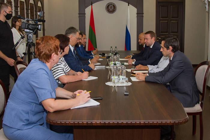 Глава Правительства ПМР провел встречу с российской делегацией