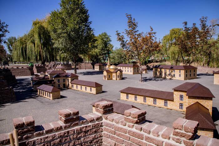 Главе государства передали ключ от Тираспольской крепости