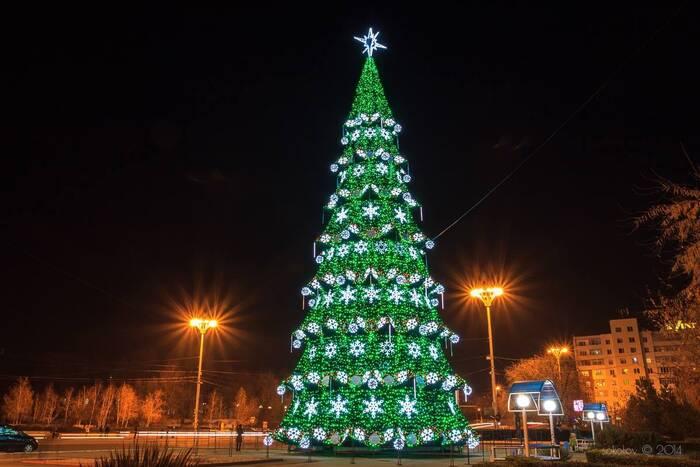 В столице новогоднюю ёлку начнут устанавливать на следующей неделе