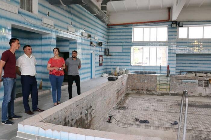 Глава Рыбницы проверил ход ремонтных работ на социальных объектах