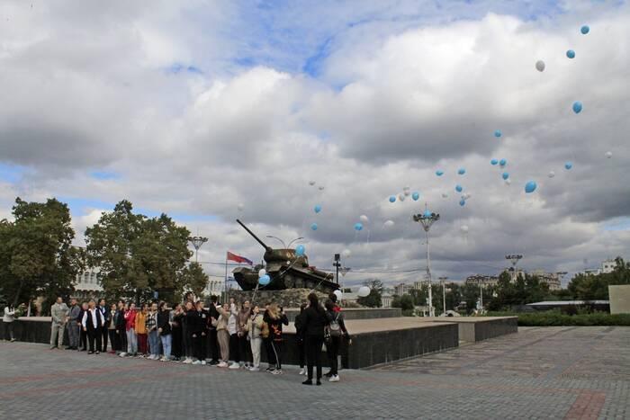 «Голуби мира» взлетели со столичного Мемориала Славы
