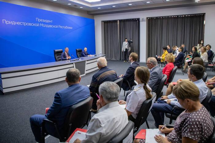 Итоги недели: Президент Вадим Красносельский провёл праздничную пресс-конференцию