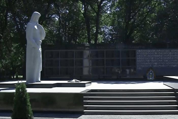 Мемориал Славы в Чобручах отреставрирован