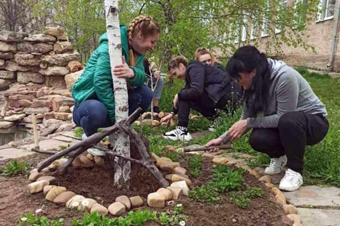 Министерство просвещения запустило экологическую акцию «День Земли»