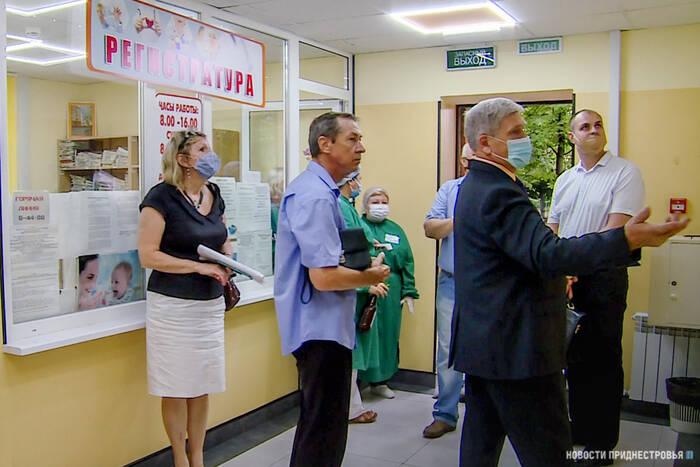Общественники проверили качество ремонта в столичных поликлиниках № 5 и № 6