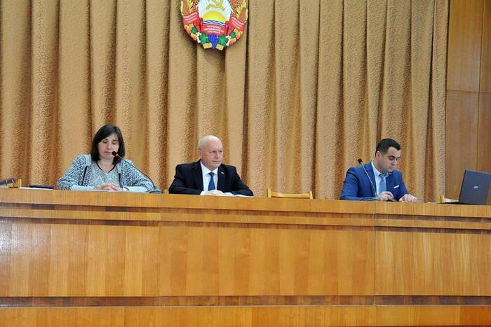 Общественности Каменки представили проект местного бюджета на этот год
