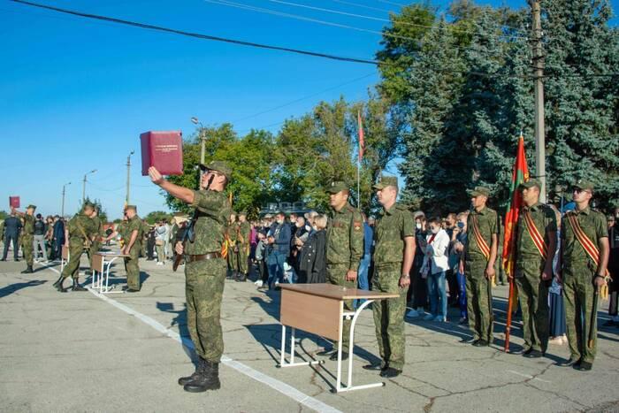 Первокурсники Военного института приняли присягу
