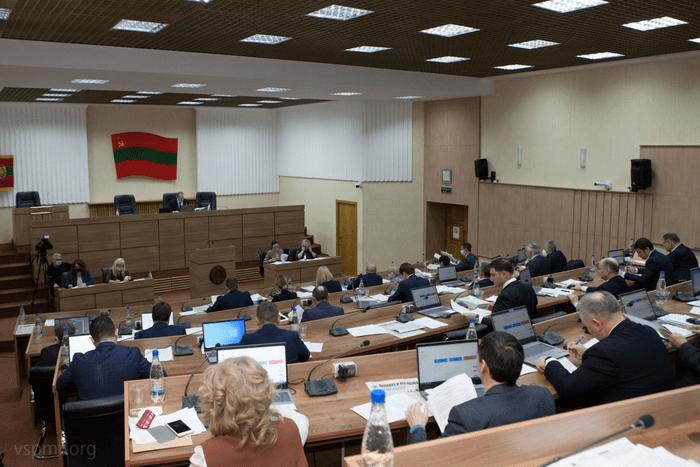 Депутаты Верховного Совета вернулись в зал заседаний