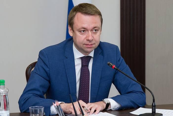Премьер-министр рассмотрел обращения граждан