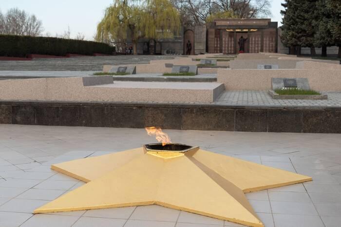 Председатель Верховного Совета поздравил жителей Тирасполя с 77-й годовщиной освобождения города от немецко-румынских захватчиков