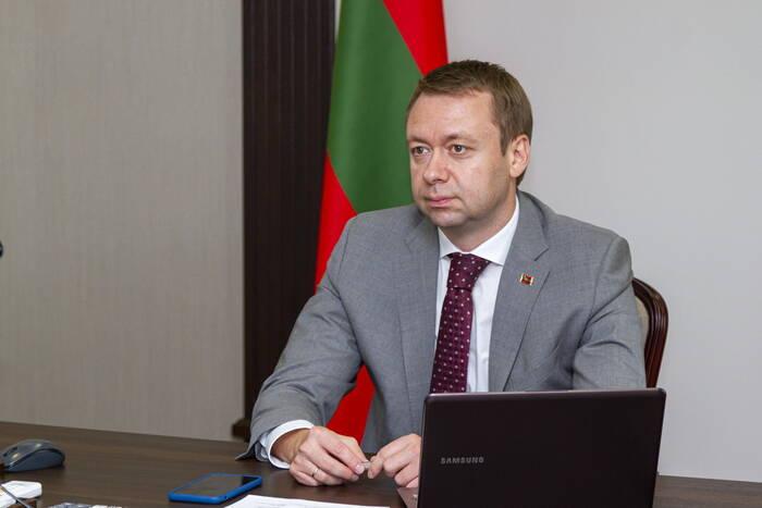 Премьер-министр провел онлайн-диалог с общественниками