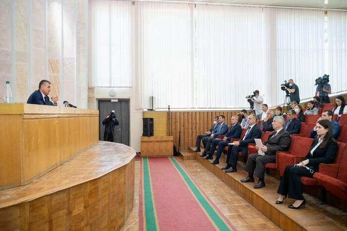 Президент находится с рабочим визитом в Слободзейском районе