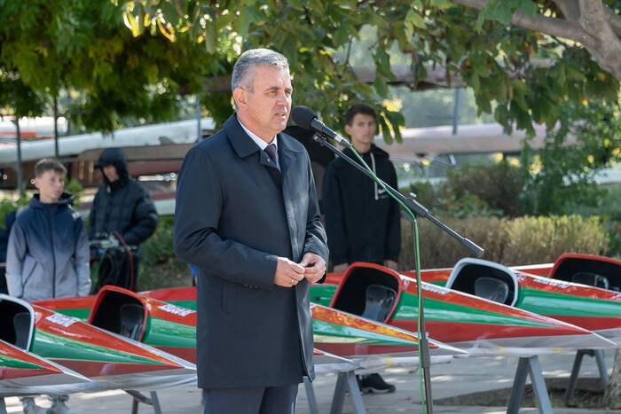 Президент ПМР принял участие в открытии международной гребной регаты «Золотая осень»