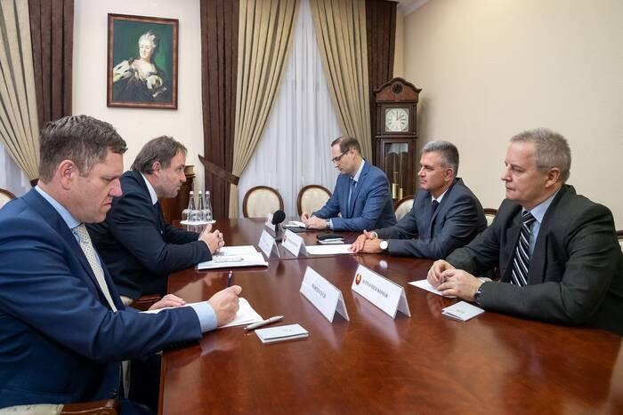 Президент ПМР провел встречу с чешским послом