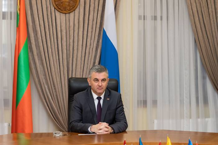 Президент ПМР: За 4 года на ремонт дорог в селах направили почти 50 млн рублей