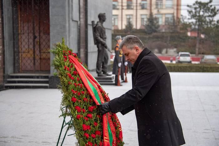 Президент почтил память погибших воинов-интернационалистов