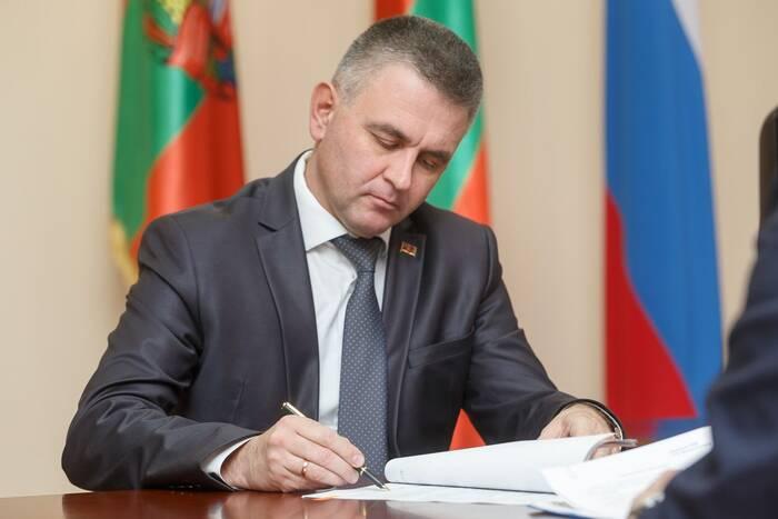 Президент ПМР Вадим Красносельский подписал поправки в закон о господдержке многодетных семей