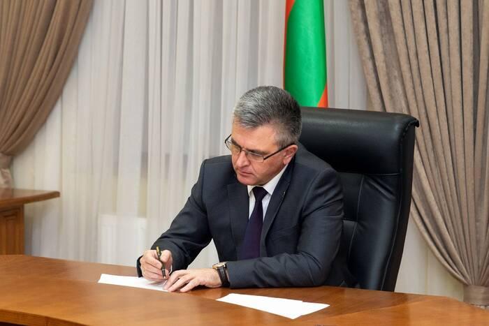 Президент подписал закон, уравнивающий граждан ПМР пенсионного возраста в праве на льготы