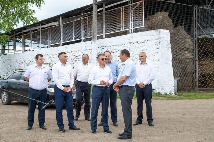 Президент оценил работу крупного сельхозпредприятия в Строенцах