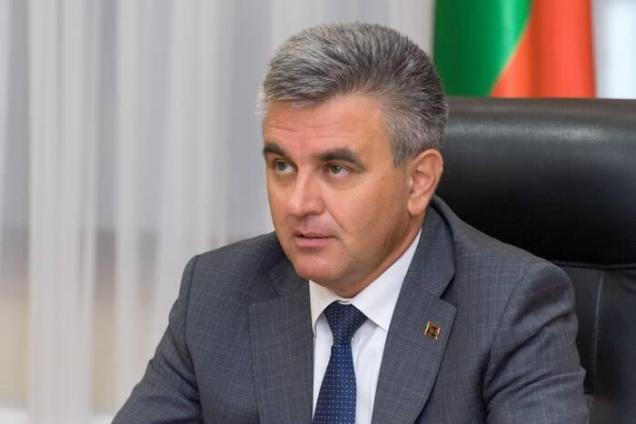 Вадим Красносельский поручил руководству городов и районов провести ревизию насаждений вдоль дорог