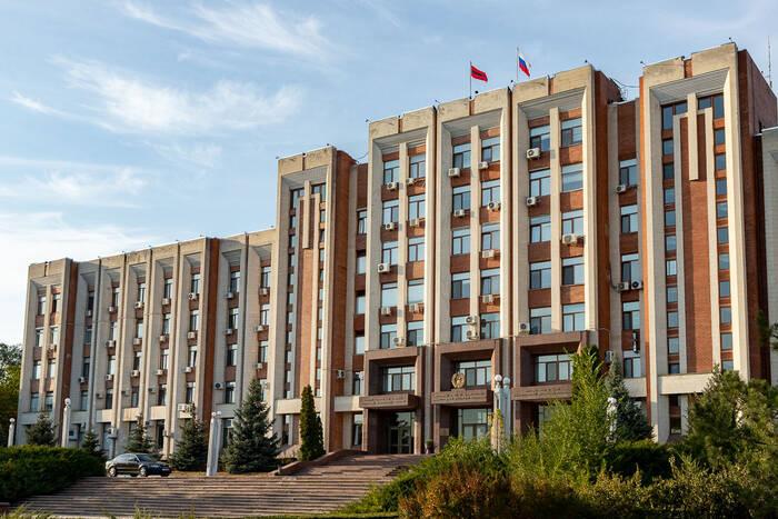 Президент вручил основателям республики нагрудные знаки «Депутату-создателю ПМР»