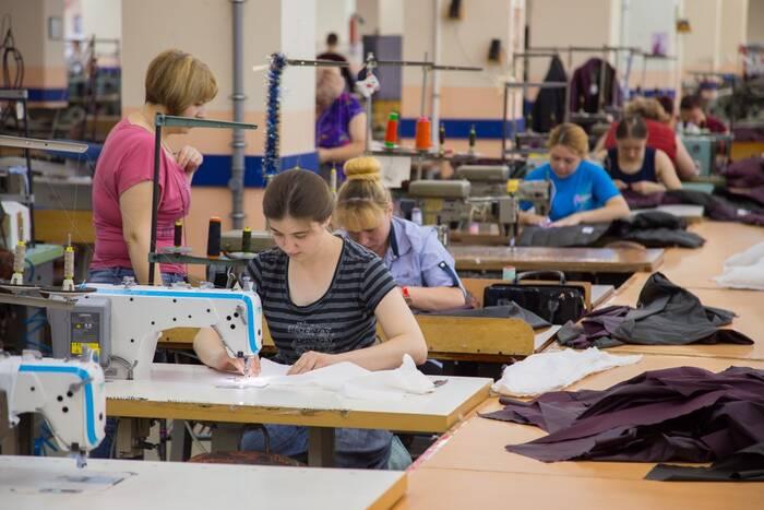 Продлены налоговые льготы для швейных и обувных предприятий, работающих на давальческом сырье
