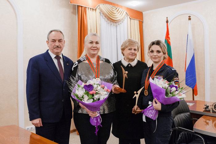 Руководство Верховного Совета наградило лауреатов конкурса «Человек года - 2020»