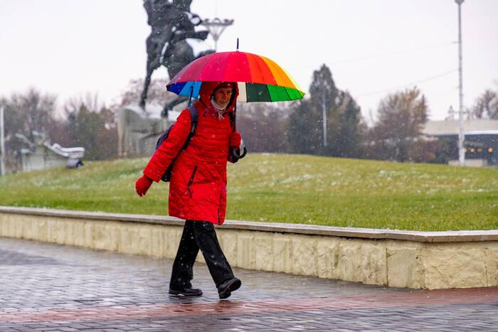 Синоптики прогнозируют на воскресенье дождь и сильный ветер