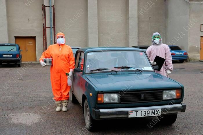 Слободзейский РОВД выделил местным медикам автомобиль