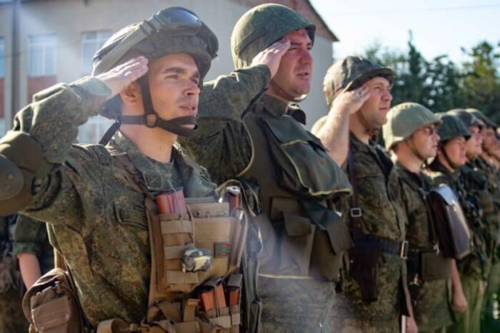 На время военных сборов сотрудникам предприятий сохранят средний уровень зарплаты