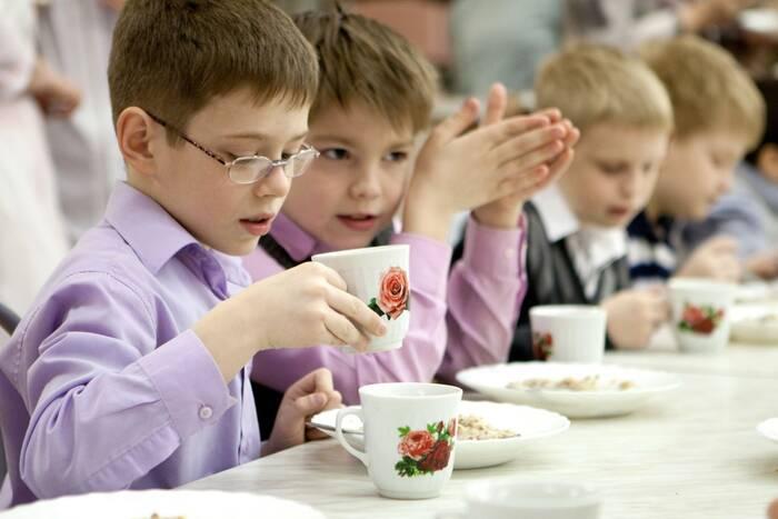 Специалисты проверили качество питания в парканской школе-интернате