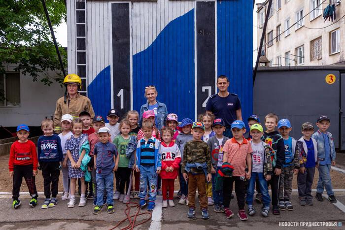 В пожарной части Тирасполя впервые в этом году провели экскурсию