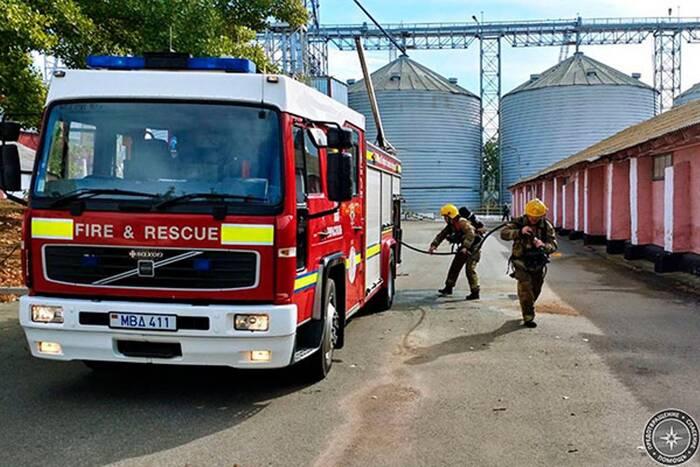 Столичные пожарные провели учения