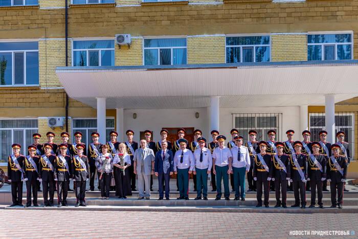 Суворовское училище в этом году окончили 29 юношей
