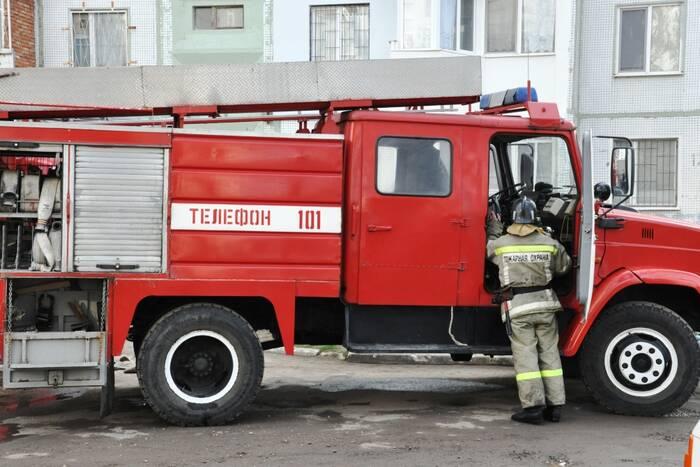 В Бендерах горит Опытно-экспериментальный ремонтный завод