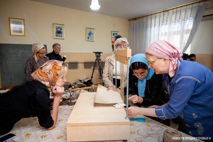 В Бендерах прошли занятия в «Школе реставратора старой книги»