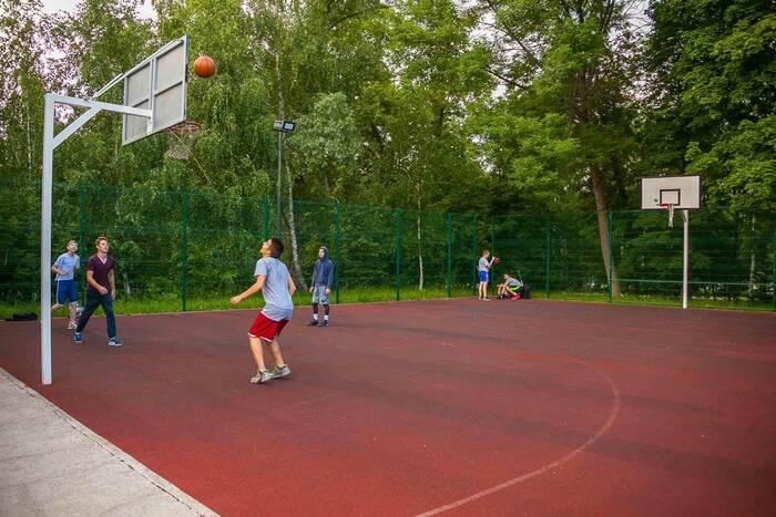 В бендерских скверах Школьном и Солнечном оборудуют спортплощадки