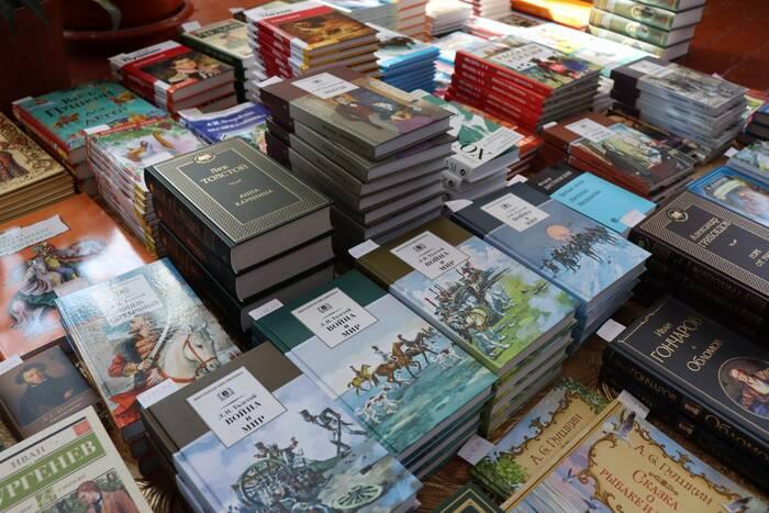 Новые российские издания поступили в библиотеки Слободзейского района