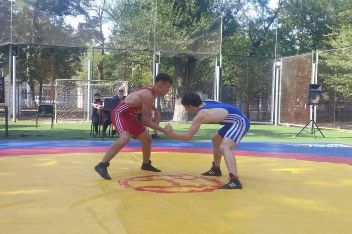 Более 100 борцов приняли участие в чемпионате и первенстве ПМР по вольной борьбе
