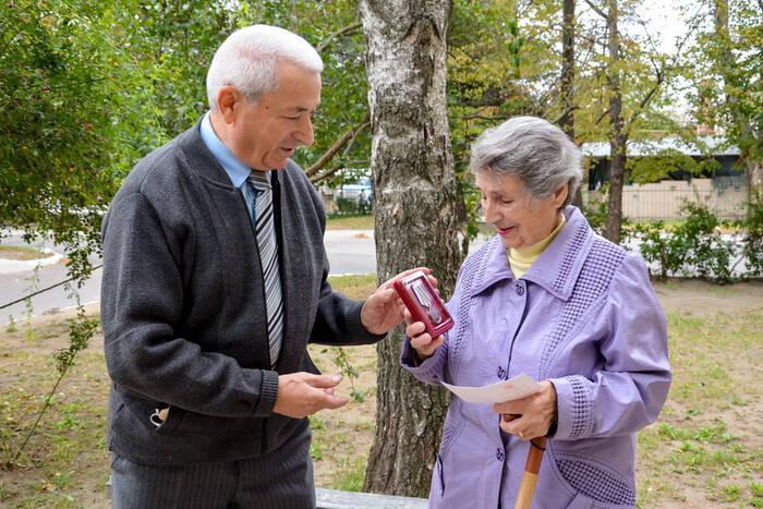 В Дубоссарах ветеранам вручают юбилейные медали от Президента РФ в честь 75-летия Великой Победы