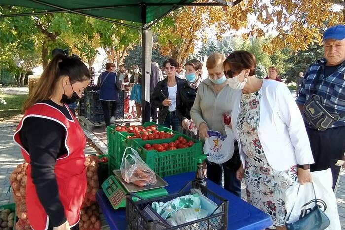В Дубоссарах организовали выездную торговлю овощами и фруктами
